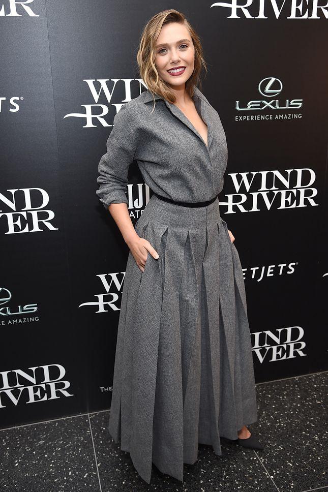 Элизабет Олсен в Christian Dior Couture на презентации фильма «Ветреная река» в Нью-Йорке  3 Августа 2017