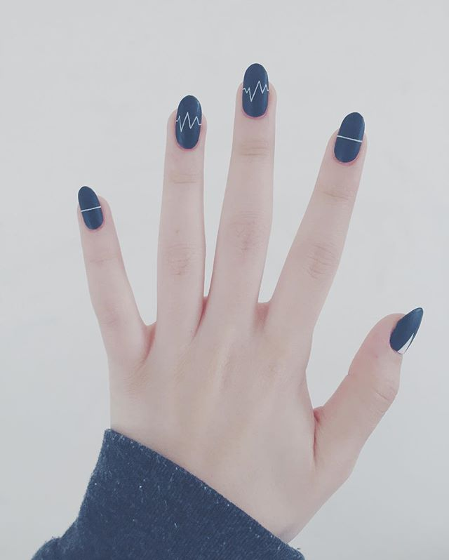 Try these easy-to-master minimal nail art designs from @Stylecaster | navy with medical flat lines