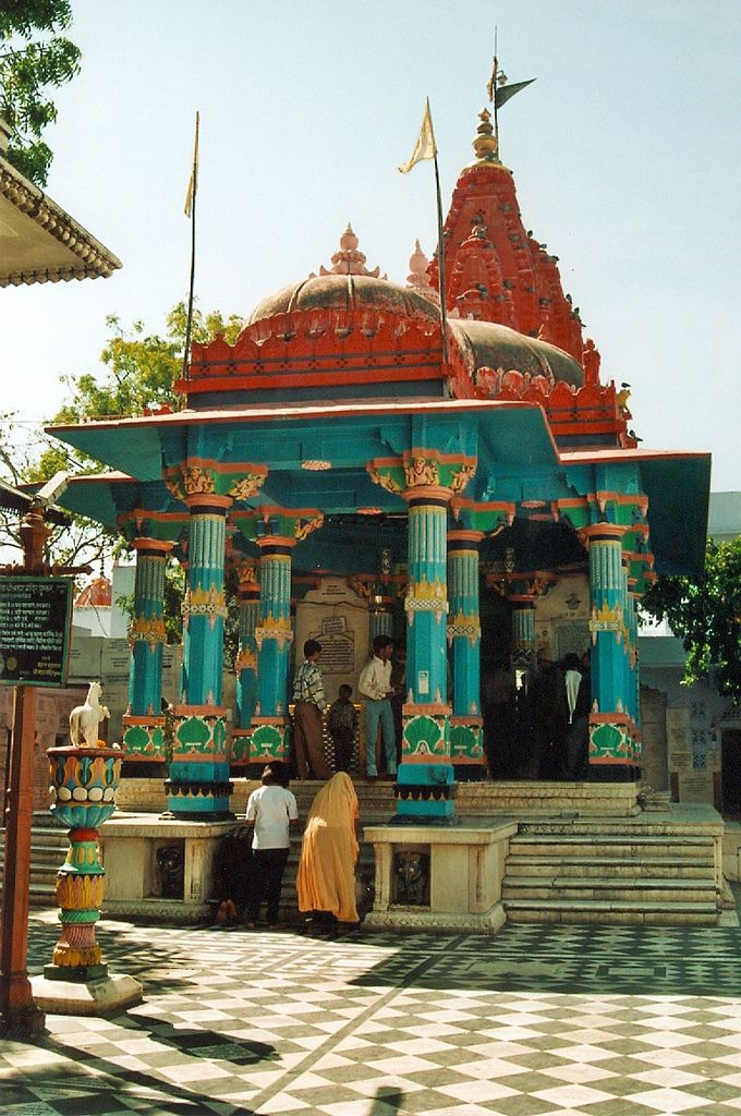 Hindu temple, Rishikesh, India ❥ॐ ✫ ✫ ✫ ✫ ♥ ❖❣❖✿ღ✿ ॐ ☀️☀️☀️ ✿⊱✦★ ♥ ♡༺✿ ☾♡ ♥ ♫ La-la-la Bonne vie ♪ ♥❀ ♢♦ ♡ ❊ ** Have a Nice Day! ** ❊ ღ‿ ❀♥ ~ Su 1st Oct 2015 ~ ~ ❤♡༻ ☆༺❀ .•` ✿⊱ ♡༻ ღ☀ᴀ ρᴇᴀcᴇғυʟ ρᴀʀᴀᴅısᴇ¸.•` ✿⊱╮