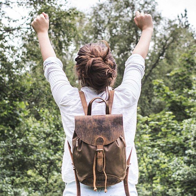 Here's to finishing work and having it still be hot out! To the beer gardens we go! 🌞🍻#myscaramanga #finishedwork #finished #canvas #rucksack #hottestdayoftheyear #scotland #style #fun #love #summer #summervibes