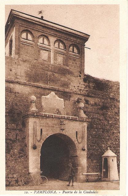#Pamplona #Navarra. Puerta de la Ciudadela.