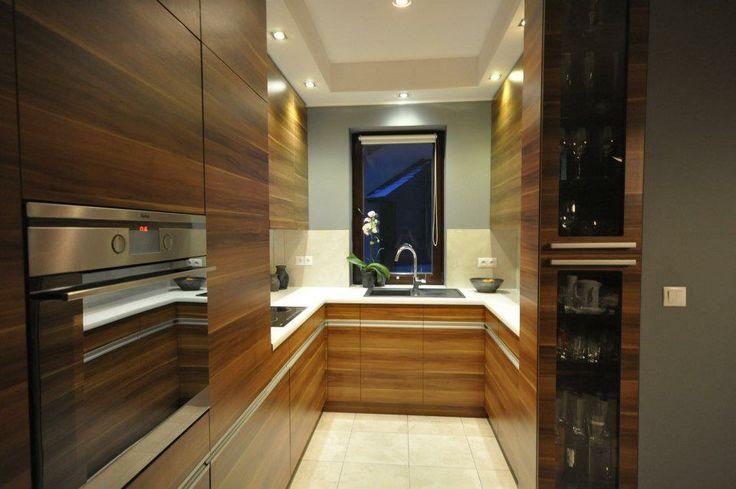 modern wood kitchen -    interior design by Dmowska Design Patrycja dmowska / projekt restauracji Dmowska Design Patrycja Dmowska
