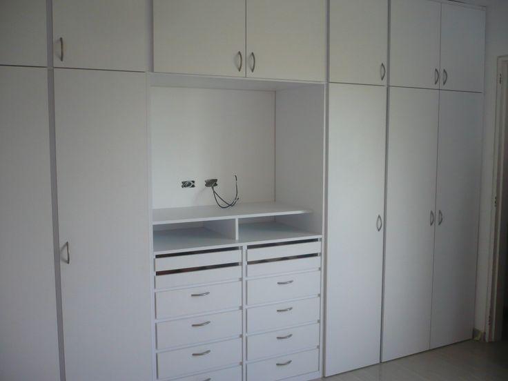 Closet con espacio para TV
