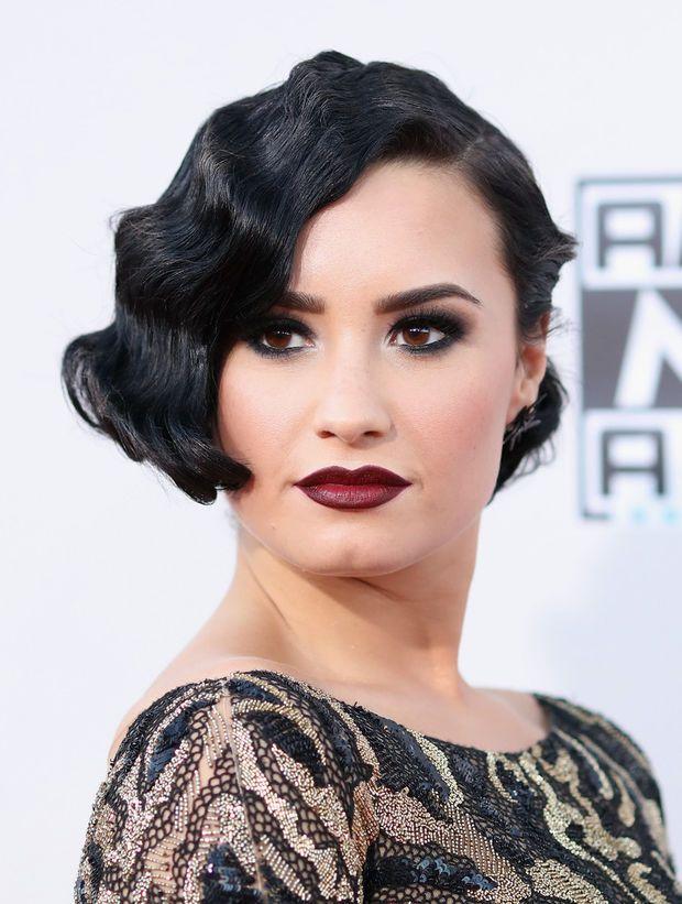 Demi Lovato Kurzhaarfrisuren Trendige Frisuren Frisuren Haarschnitte