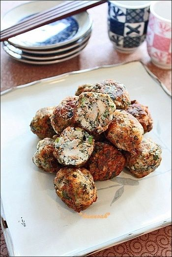 煮ても、焼いても、揚げてもおいしい♪ ホクうま「里芋」アレンジ ... ワカメと里芋でヘルシーなさつま揚げに。お弁当やおつまみにもおすすめ