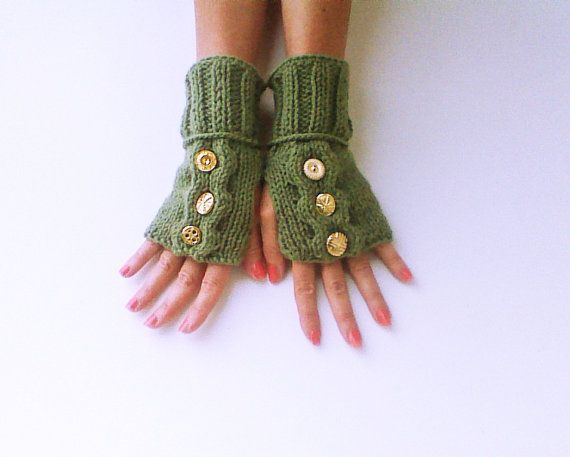 Hey, I found this really awesome Etsy listing at https://www.etsy.com/listing/182574090/cable-gloves-with-gold-buttons-one-of-a