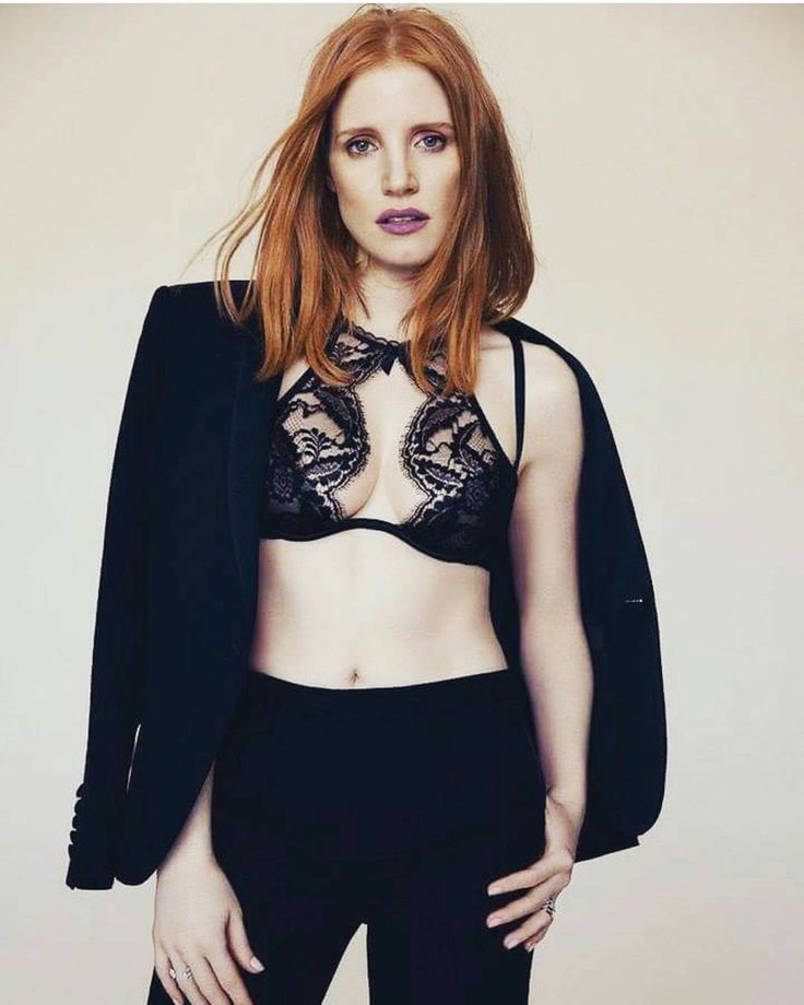 Friend of animals everywhere! Facebook (Jessica Chastain) Twitter (@jes_chastain) & snapchat (chastainiac)