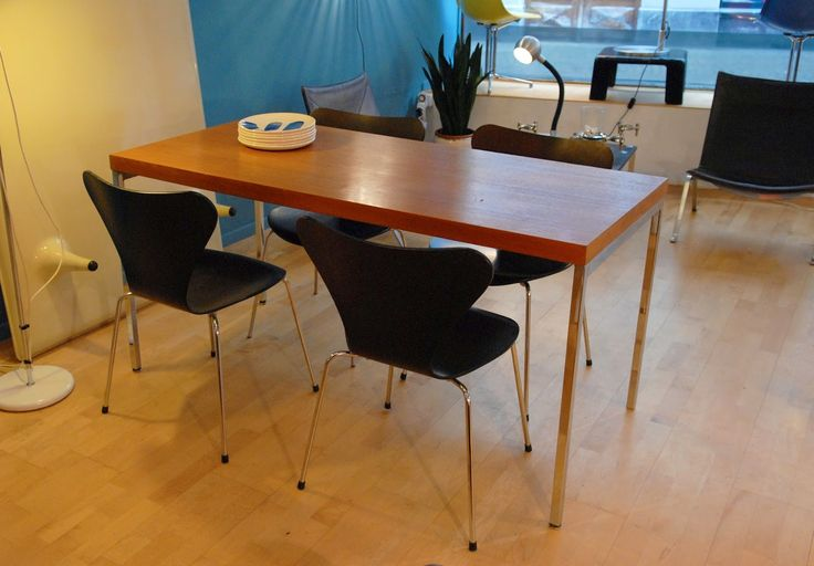 Table / bureau en teck, design Dieter Wäckerlin pour IdealHeim, vers 1960.