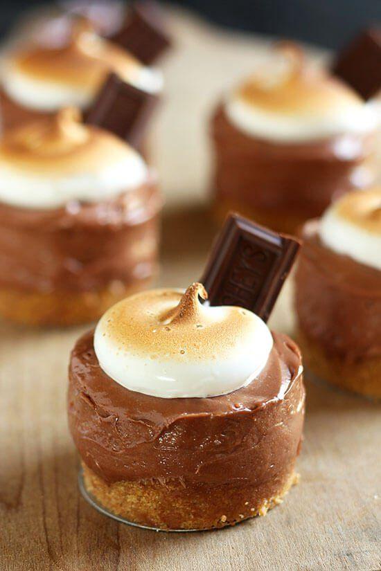 No Bake S'mores Mini Cheesecakes