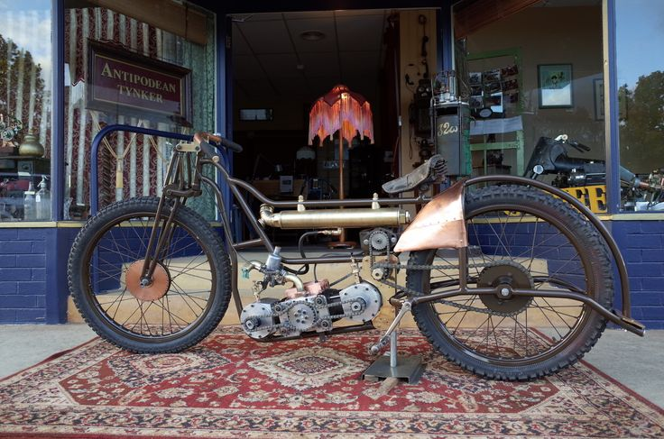Built by Mark Walker, 665cc Rotary Valve Flat Twin, inspired by Speedway.
