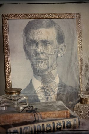 Free High Resolution downloadables with which to have authentic looking haunted house vintage photos for framing!!!!