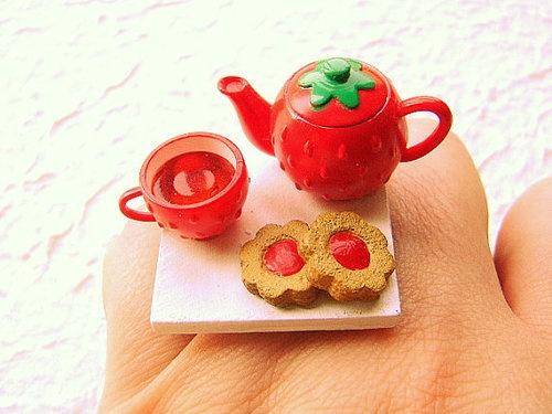 Mini Strawberry tea set ring