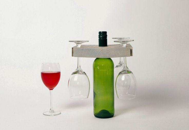 """""""Laten we toasten op de goede dingen in het leven"""" MDWine02 - Steigerhouten vierkante wijnhouder inclusief glazen via Mooiedroom.nl"""