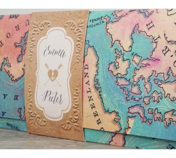 Vintage wereldkaart trouwkaart in pocketfold stijl. Voor de hippe wereldreizigers! #travel #vintage #travel #wedding