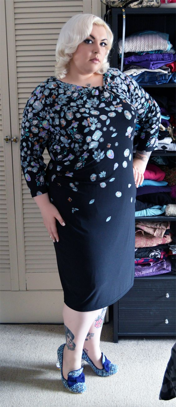 Nancy from the blog Sugar, darling? is looking great in our Anna Scholz for Simply Be jewel print dress x