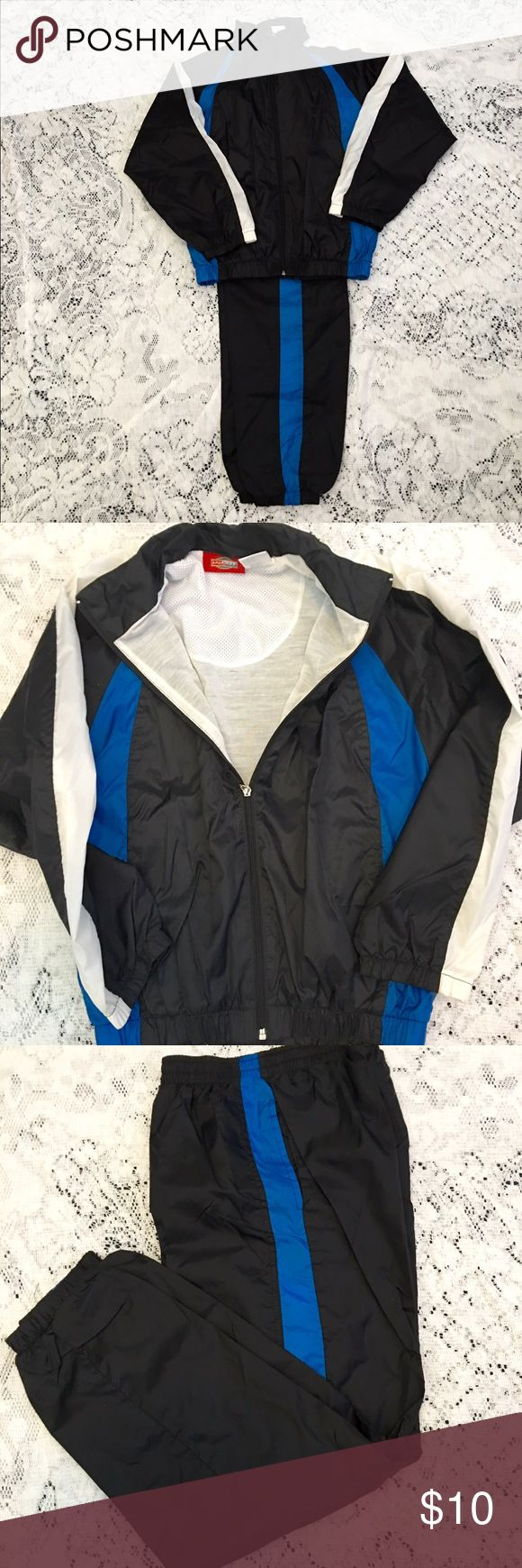 BOYS DIZE MEDIUM 10-12 WARM UPS LINED PANTS/COAT BOYS RAYON PANTS AND ZIPPER JACKET WSRM UP SUIT. BLACK BLUE & WHITE. LINED FOR WARMTH. AWESOME FOR THAT YOUNG ATHLETE IN YOUR FAMILY WORN MAYBE ONCE SELLING FOR FRIEND Sport Trax Matching Sets