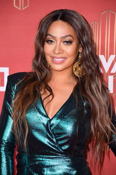 La La Anthony Long Wavy Cut - La La Anthony showed off ultra-long waves during VH1's Divas Holiday: Unsilent Night.