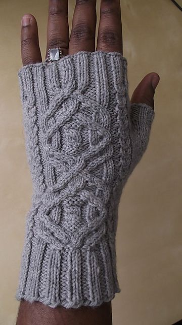 Ravelry: Udoravia Mitts pattern by Jennifer Burke
