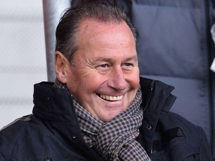 Der zweite Trainerwechsel der laufenden Bundesliga-Saison ging am Montag über die Bühne: Gegen 14 Uhr wurden die Profis der TSG Hoffenheim offiziell mit der Entlassung Markus Gisdols konfrontiert und zugleich über ihren neuen Chef, Huub Stevens informiert.