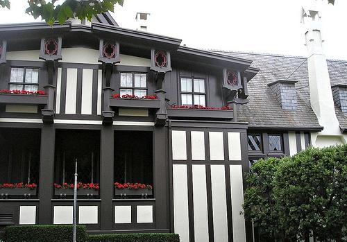 72 best craftsman bungalow exterior paint schemes images on pinterest craftsman bungalow for Best exterior house paint for pacific northwest