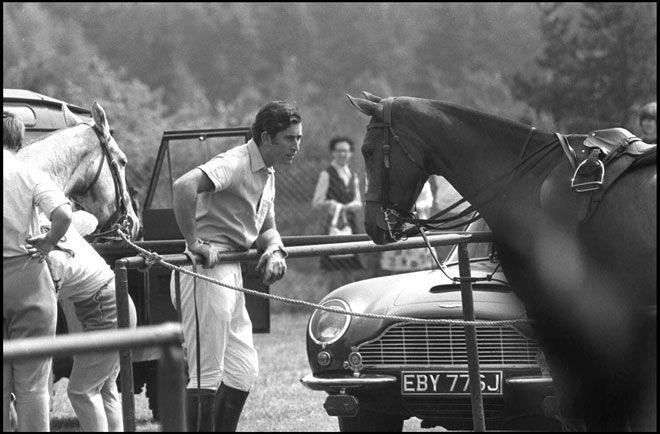 Il principe Carlo d'Inghilterra gioca a polo a Badminton nel 1977 ©Daniel Angeli