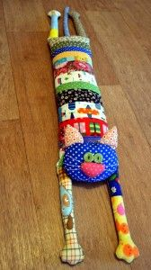 This is one cute cat to make for your toddler (basic pattern included) ...