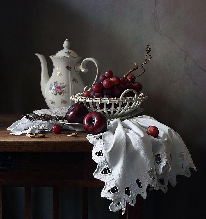 35PHOTO - Елена Татульян - С виноградом и сливами