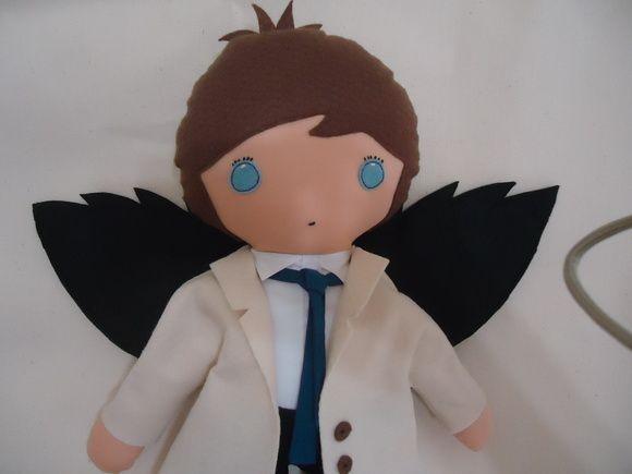 Boneco anjo Castiel da série Supernatural.  Fazemos qualquer personagem.  Ótimo acabamento.