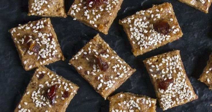 No bake tahini and date energy bars by chef Akis. A sugar free and gluten free recipe. The perfect snack for a great boost of energy.
