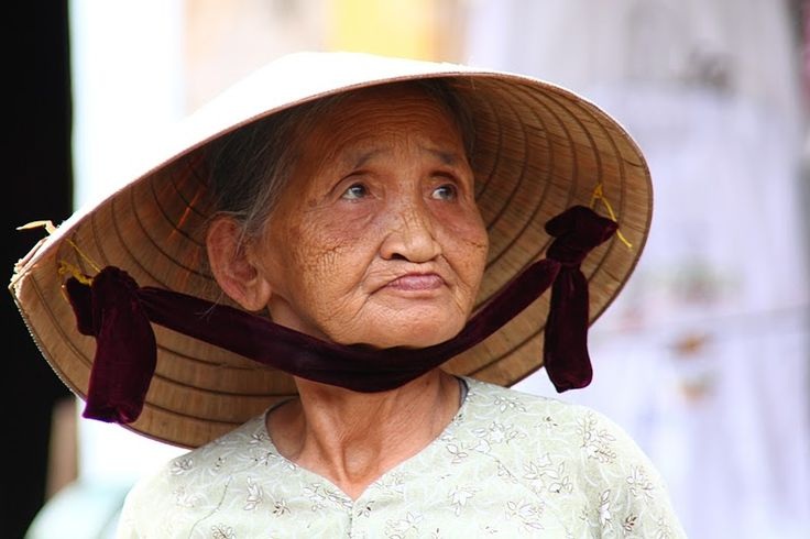 A arquitectura da cidade de Hoi An é bastante harmoniosa apesar da mescla cultural que alberga, resultante da actividade comercial nos séculos XVI e XVIII.