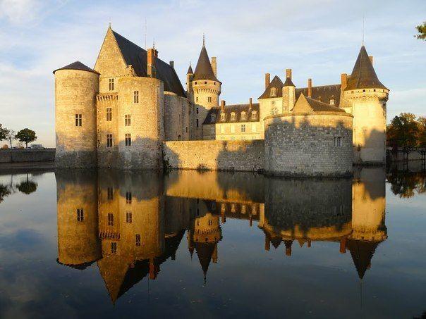 Château de Sully-sur-Loire, Loiret, France #castle