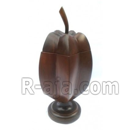 --- Star fruit jar wooden craft ---   http://r-aja.com/shop/star-fruit-jar-wooden-craft/    Handicraft Star fruit jar wooden craft Made from teak wood. Material:  teak wood. Dimension: height 26 cm, witdh 9 cm.