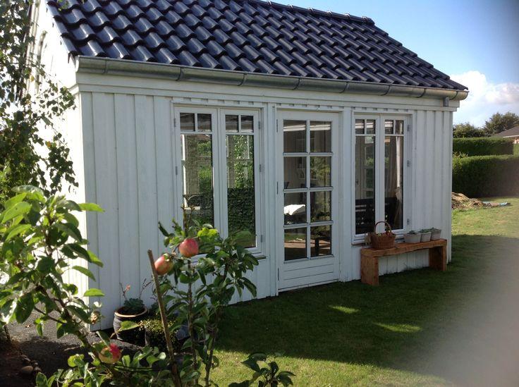 Vores havehus:-)