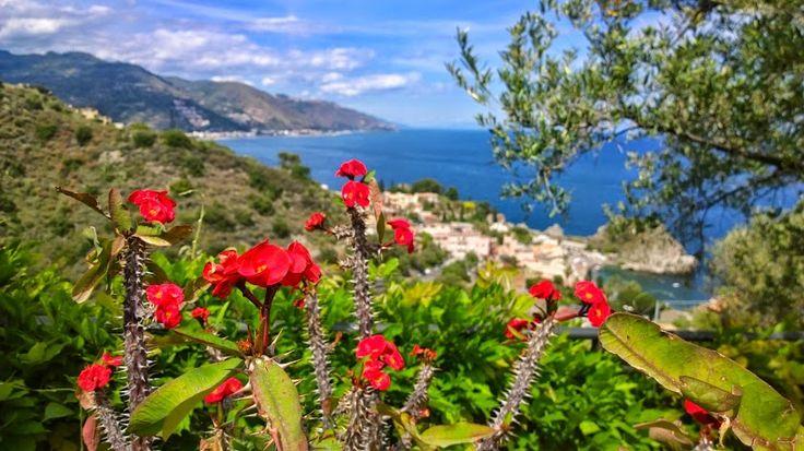 Stunning views & garden daydreams at Residence Terra Rossa in Taormina, Sicily