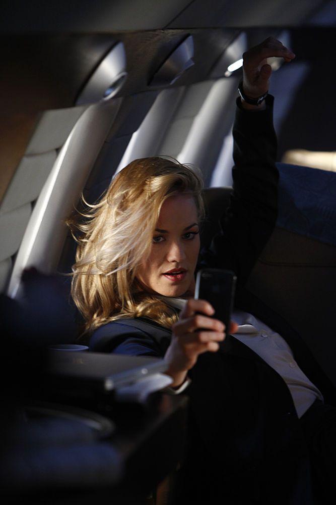 Yvonne Strahovski as Sarah Walker - Ep. 401