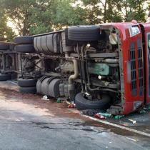 Nehoda kamionu uzavřela na několik hodin dálnici na Prahu