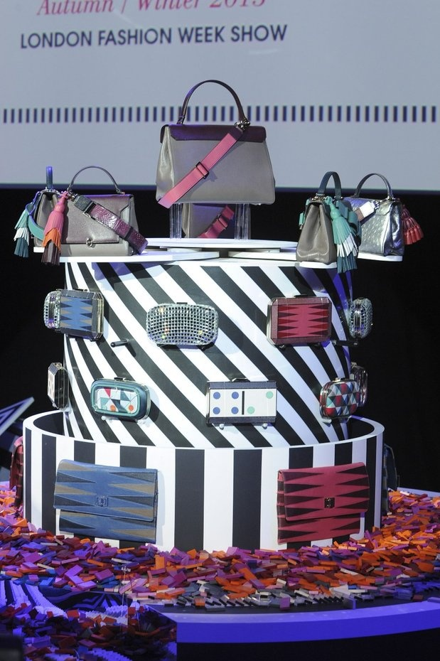 """Anya Hindmarch gave us an outstanding show for her Autumn/winter collection. It was a Dominos effect. Entitled """"Cascade"""", it was a colourful set of 50000 pieces to present to the world the beauty of the Fall/Winter bags."""