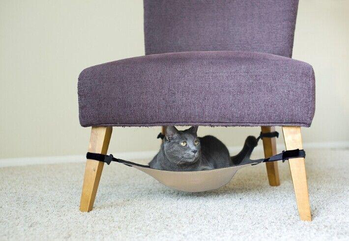 morbido peluche per piccoli animali da compagnia gatto amaca letto in tuo gatto se lo merita un po' di più di comodità e stata pensata appositamente per fare rilassare il animaletto che tanto stimi vedrai il quanto sarà felice  dimensioni: 40*40cm Lunghezza della cinghia: 27-28cm  di colore: come nella foto