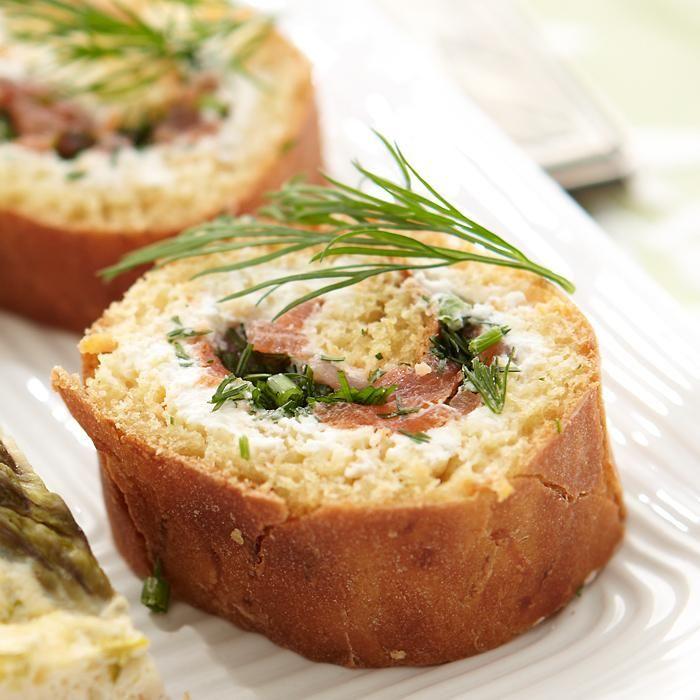 Kylmäsavulohi-leipärullat