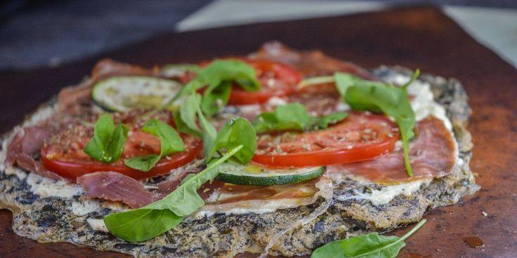 Melfri pizza (af dampet skvalderkål og hørfrømel) - Autoimmun.co
