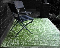 Fab Habitat 4-Feet by 6-Feet Murano Indoor/Outdoor Rug, Lime Green and Cream. Click here to see more http://www.perfect-gift-store.com/green-outdoor-patio-rugs.html