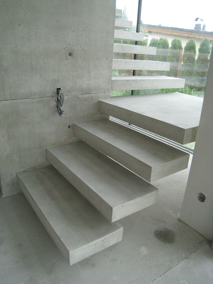 Best Floating Concrete Stairs And Landing Stairs We Love At 640 x 480
