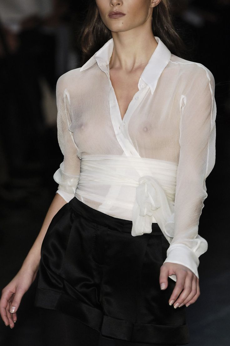 Онлайн в прозрачной блузке — pic 10