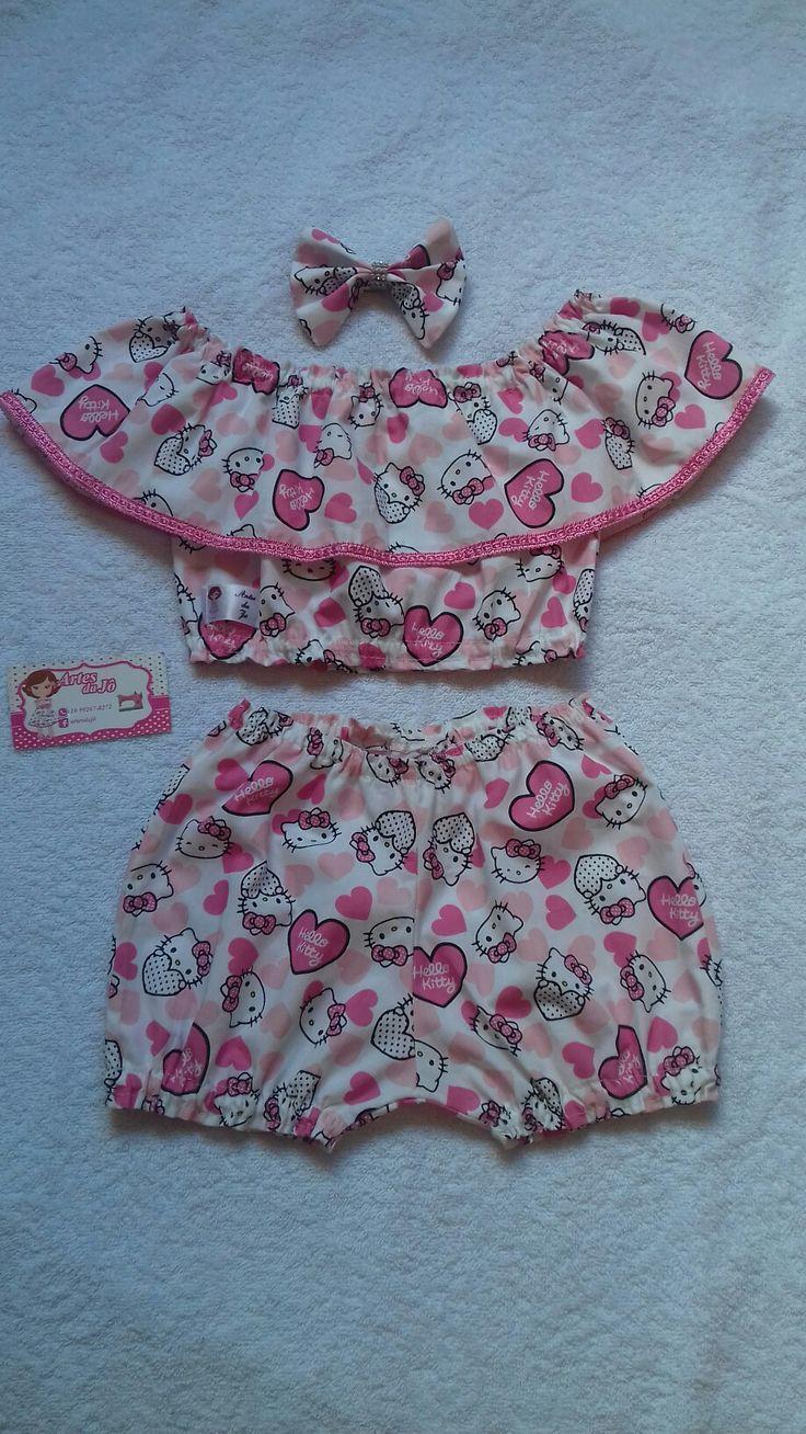 Conjunto de ropa de bebé.