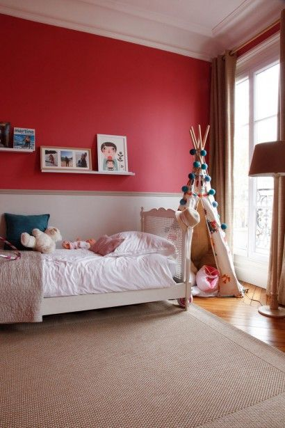 25 great ideas about red walls on pinterest red bedroom - Chambre bleu blanc rouge ...