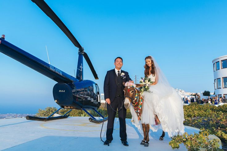 Our wedding couple suprise their guest with helicopter arrival at Panorama terrace. #welcomedrink #nofilter #helicopterservices #exclusiveservice #pyrgosrestaurant #santoriniweddings #weddingday #panoramicview #gardenarea #vineyards #weddingguests #bluesky #summertimes #memoriesforlife #santorinirestaurant #santorini🇬