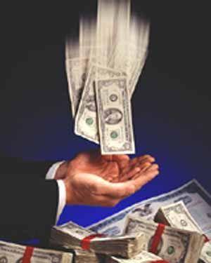 Пять основных правил привлечения и сохранения денег Несколько правил, о которых мы хотим вам сегодня рассказать, позволят привлечь в вашу жизнь денежный поток и научат его сохранять в вашем «кошельке». Первое правило, которое привлечет в вашу жизнь деньги, состоит в том, что в вашем кошельке, обязательно должна храниться, так называемая, неразменная купюра. Достоинство этой купюры не должно быть маленьким и не обязательно это должны быть рубли. Можно хранить в кошельке денежную купюру любой…