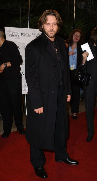Russell Crowe Photos Photos - 7TH ANNUAL CRITICS' CHOICE AWARDS. BEVERLY HILLS HOTEL, LOS ANGELES, CA. JANUARY 11 2001. - 7th Annual Critics' Choice Awards