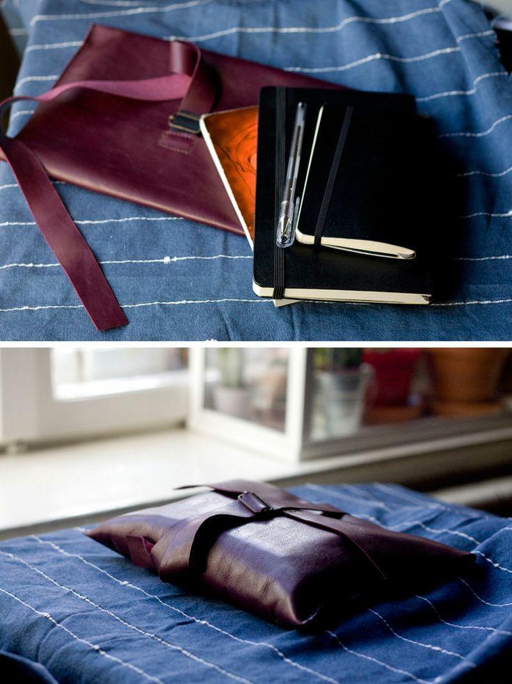 Obwoluta/ okładka na książkę. #accessories #LeatherAccessories #plum #leatherbookcover #leatherbook