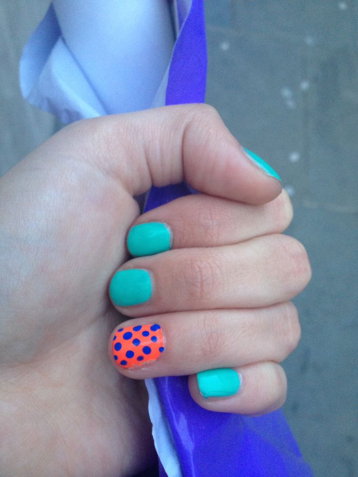 Spotty signature nail art/neon